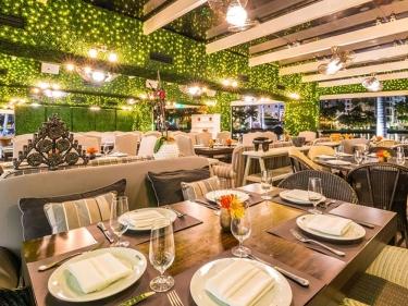Cantina-La-Veinte-Romantic-Dates
